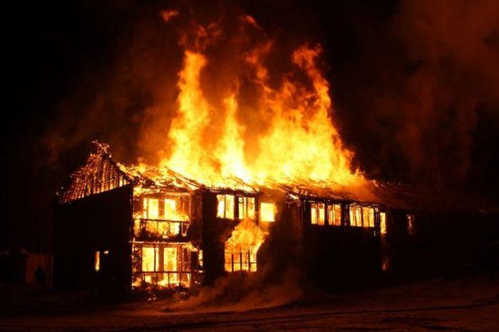 fire-houses-burnt-551x367