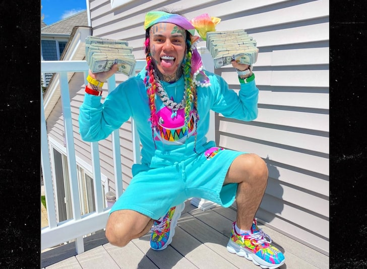 Tekashi 6ix9ine Threatens To Expose Other Rappers That Snitched On Their Gang Members